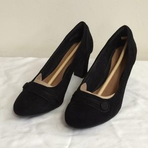 NWT Clarks Tamryn Cider Black Suede Heels